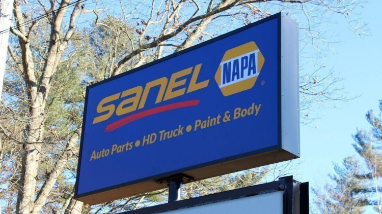 Exterior Pylon Sign for SANAL NAPA