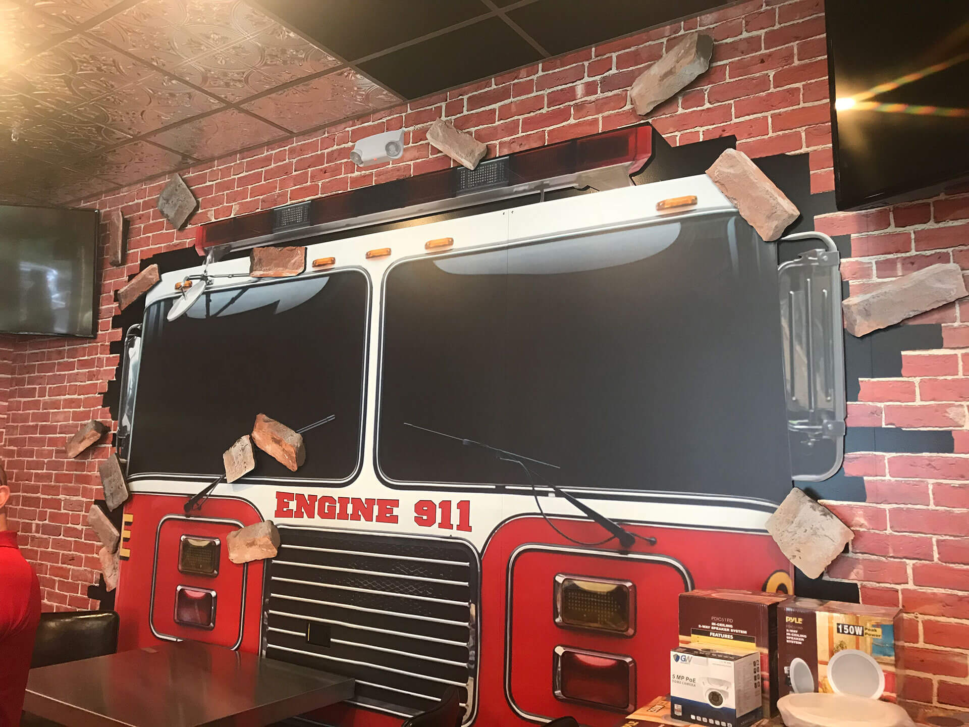 Pizza 911 Truck Graphic Interior